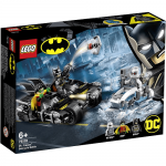 76118 LEGO® SUPER HEROES Mr. Freeze™ Batcycle™ Battle