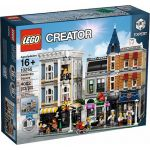 10255 LEGO® EXCLUSIVE Assembly Square
