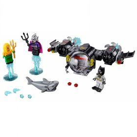 76116 LEGO® Super Heroes Batman™ Batsub and the Underwater Clash